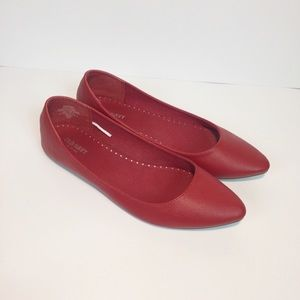 Old Navy Red Flats Women's Shoes Size 9.